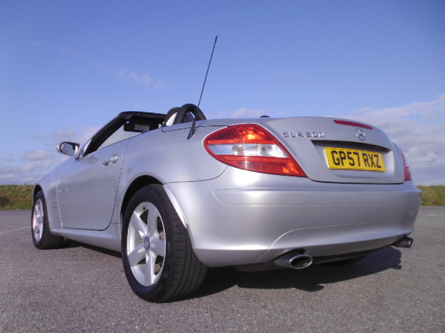 2007/57 MERCEDES SLK 200 1.8 SE LOW MILEAGE CONVERTABLE WITH FULL MERCEDES BENZ SERVICE HISTORY ! Image 6