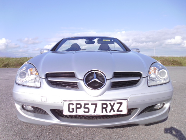 2007/57 MERCEDES SLK 200 1.8 SE LOW MILEAGE CONVERTABLE WITH FULL MERCEDES BENZ SERVICE HISTORY ! Image 2