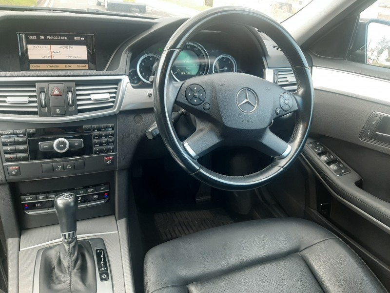 2009/59 MERCEDES E220CDI SE BLUE EFFICIENCY SALOON STUNNING WITH LOW MILEAGE ! Image 11