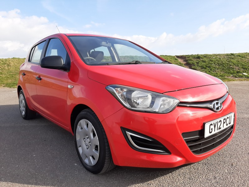 2012/12 HYUNDAI i20 1.2 A/C CLASSIC LOW MILEAGE  AND ONLY £30/Y ROAD TAX! Image 3