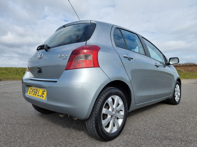 2008/58 TOYOTA YARIS 1.4 D-4D TR 5 DOOR, STUNNING AND ONLY £30/YEAR ROAD TAX ! Image 4