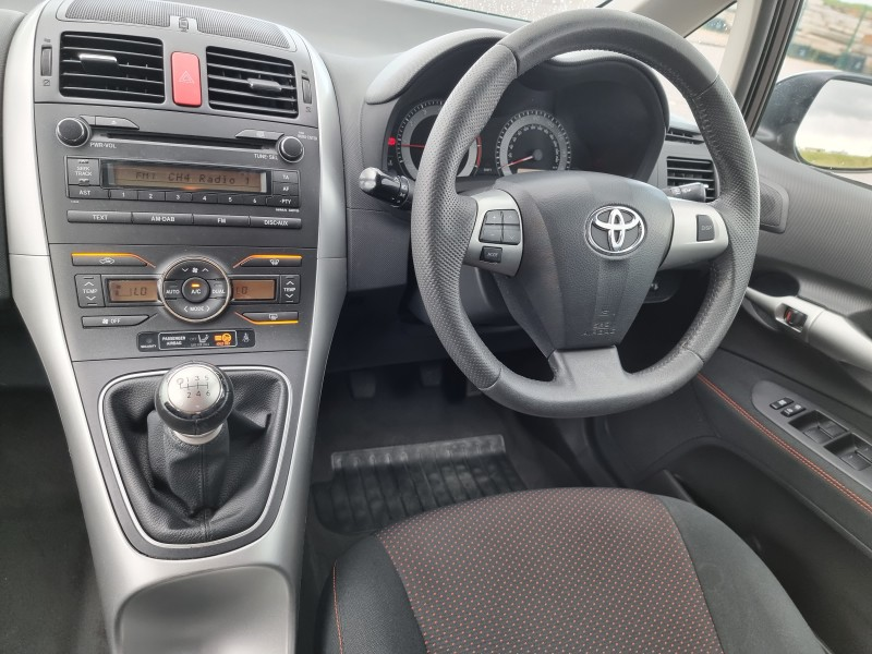2010/10 TOYOTA AURIS 1.6 V-MATIC SR 5 DOOR, A LOVELY LOW MILEAGE EXAMPLE ! Image 10